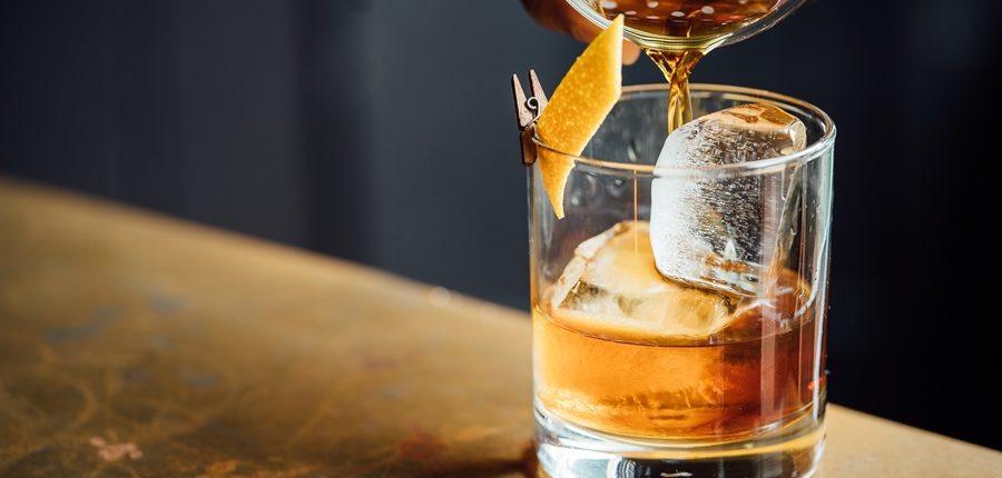 Cold Drip Coffee Cocktails haben Kick, sind lecker und etwas Neues. Kurz: Dank unserer Cold Drip Kaffee Rezepte bist Du der Star auf der nächsten Cocktail-Party