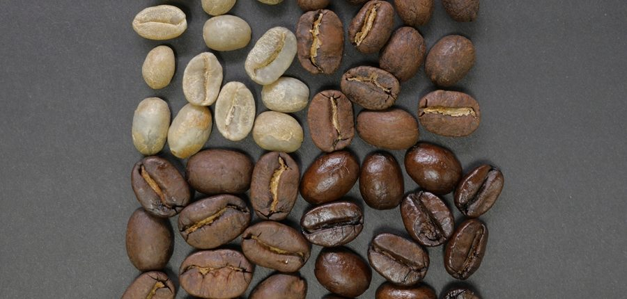 Beim Kaffee rösten entstehen verschiedene Röstgrade von Rohkaffee, über leicht, mittel und stark gerösteten Kaffee